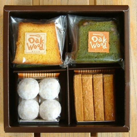 4個BOX  B